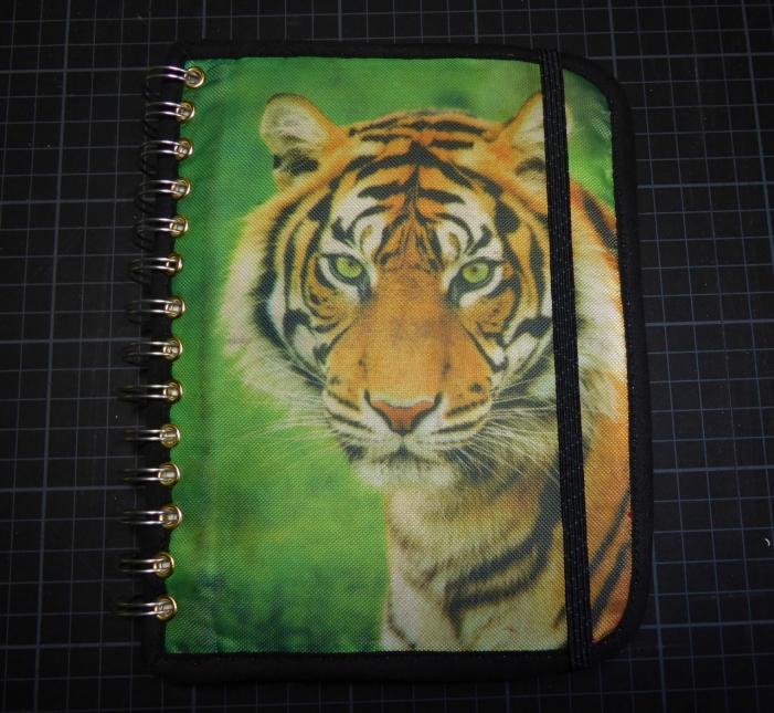 So, endlich fertig!! Viel Spaß beim Malen mit dem heißgeliebten Tiger :-) !